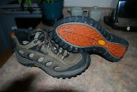 Men's Merrell Hiking Shoes (Size 8.5)