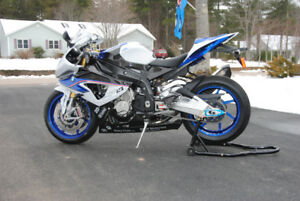 2014 BMW HP4 Competition version (carbon fiber)