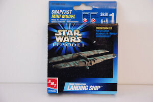 AMT ERTL STAR WARS EPISODE I SNAPFAST MINI MODEL. LANDING SHIP
