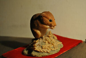 BORDER FINE ARTS MOUSE FIGURE BY RAY AYRES