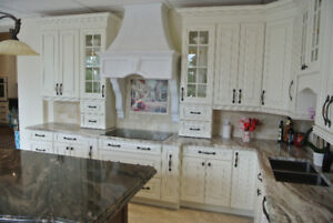 KITCHEN DISPLAY EXECUTIVE CABINETS