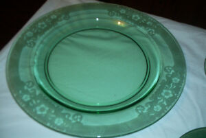 """Depression Glass 15"""" Plate & 5 Serving Plates 1926 to 34"""