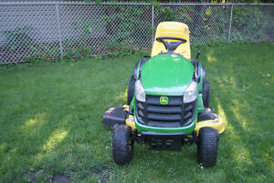 John Deere D 140 Lawn Tractor(PRICE REDUCTION)