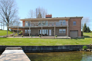 GORGEOUS WATERFRONT DESIGNER HOME ON THE ST. LAWRENCE RIVER