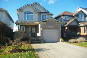 Family Home in Stoney Creek 3bdr/4bth