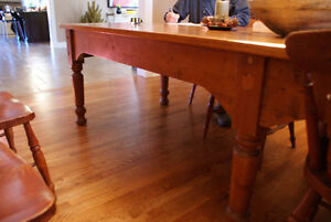 Pine harvest table, refinished top, mid 19th century Cornwall Ontario image 4