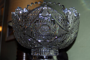 Beautiful Antique Crystal Punch Bowl West Island Greater Montréal image 3