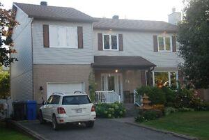 Belle grande maison à Repentigny 5 chambres et verrière 4 saison