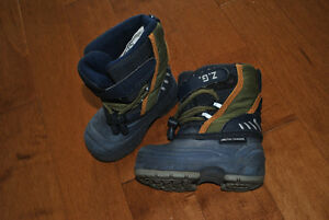Navy Winter Snow Boots Size 5 Peterborough Peterborough Area image 2