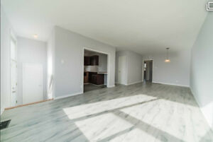 CLEAN AND SPACIOUS 3BRDM HOME IN AJAX