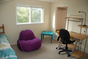 Furnished room 6 min walk from Algonquin College
