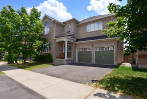 4+1 BEDROOM HOUSE FOR RENT IN OAKVILLE AVAILABLE AUGUST 1st 2017