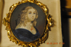Victorian 1800s Portrait Miniature Hand-Painted Pin Brooch Penda