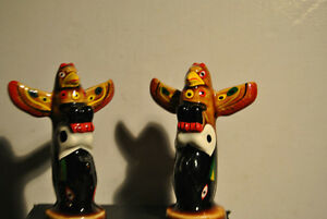 Totem Pole Salt Pepper Shakers Souvenir Vancouver BC Eagle, Thu