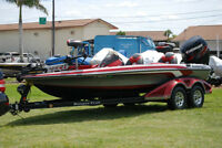 2012 RANGER Z520 BASS BOAT WITH 250 HP EVINRUDE HO