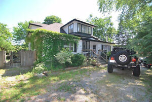 Beautiful Century Port Credit Home