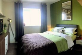Stylish Double Room Close to Bristol Airport - 5 nights a week