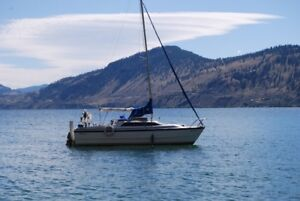 1999 MacGregor 26X sailboat with factory trailer