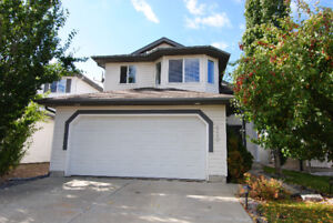 Great Family Home in Sherwood Park!