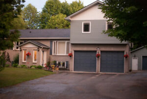 FOR RENT: 5 BR 3.5 BA Beautiful home on creek in Oro-Medonte