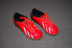 Adidas Soccer Shoes (indoor) - youth size 13.5 Kitchener / Waterloo Kitchener Area image 1