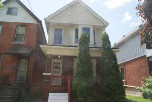 MAIN FLOOR, ESCARPMENT, A/C, LAUNDRY, GARAGE AVAILABLE, PORCH