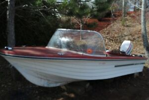 Boat and outbord motor