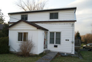 Great Family Home on Napanee River