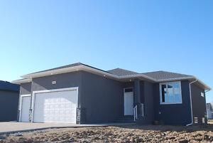 """1150 sqft, triple garage bungalow in Bethune's """"Urban Fringe"""" Regina Regina Area image 8"""
