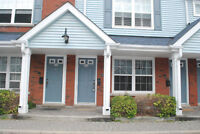 COBOURG: 1 BR Townhouse Condo Main Floor for Rent Walk to Beach