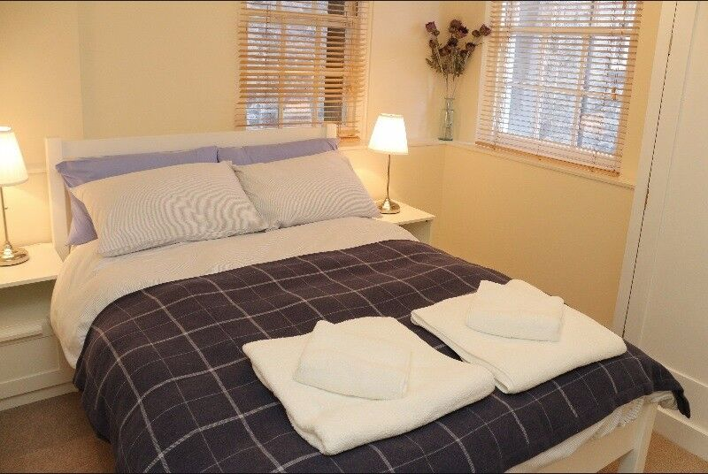 Double room available in JANUARY in Grassmarket, Edinburgh (100)