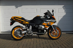 BMW R1100S 2004, Boxer Cup Prep, 9783km showroom, $9250 tx incl