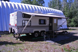 Aljo 5th Wheel Trailer All Ready for you Summer Camping Trips