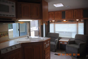 29' Wildcat 5th Wheel Great Condition Very Clean