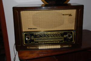 Vintage Grundig 5040 Radio