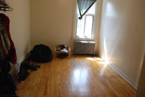 1 1/2 appartment sublet, from May 1st to August 31st