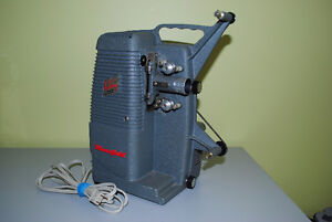 Vintage Holiday 8mm M-1000 Mansfield Movie Projector Kitchener / Waterloo Kitchener Area image 1