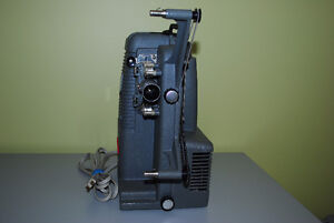 Vintage Holiday 8mm M-1000 Mansfield Movie Projector Kitchener / Waterloo Kitchener Area image 2
