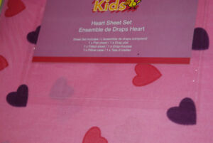 Kids Bedroom Girls TWIN Hearts - Sheets Set Pink Colour, NEW