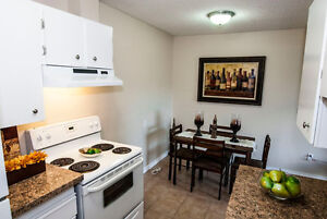 GET PAID to MOVE-Beautifully Renovated 3 Bdrm Condo-Yard-Pet OK