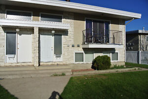 Available May 15th, 2 Bedroom 4 plex unit close to University