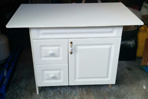 White Vanity for sale like new condition