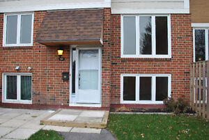Town home for rent with Granite kitchen in Kanata.
