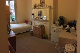 For rent double room in Willesden Green with all the bills included