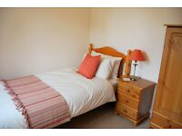 EXCELLENT 2 BED FLAT IN SOUTHEND-ON-SEA - IMMEDIATELY AVAILABLE!!!