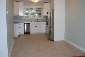 Bright, updated 3 bdrm townhouse