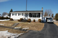 Bungalow overlooking golf course and the Seaway in Iroquois, ON