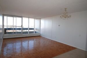 Clean and bright apartment close to WEM