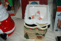 "1990 CHRISTMAS SANTA CLAUSE ""STUCK IN CHIMNEY"" COOKIE JAR RARE"
