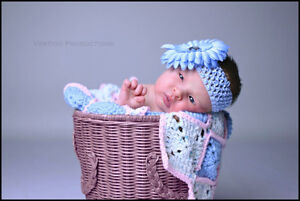 Newborn Photographer (Studio or Lifestyle) Cornwall Ontario image 4